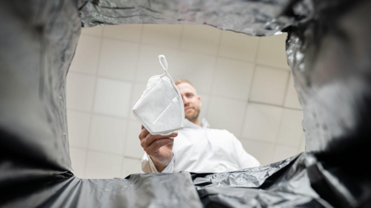 FDA Pulls EUAs For Non-NIOSH Masks And Decontamination Systems
